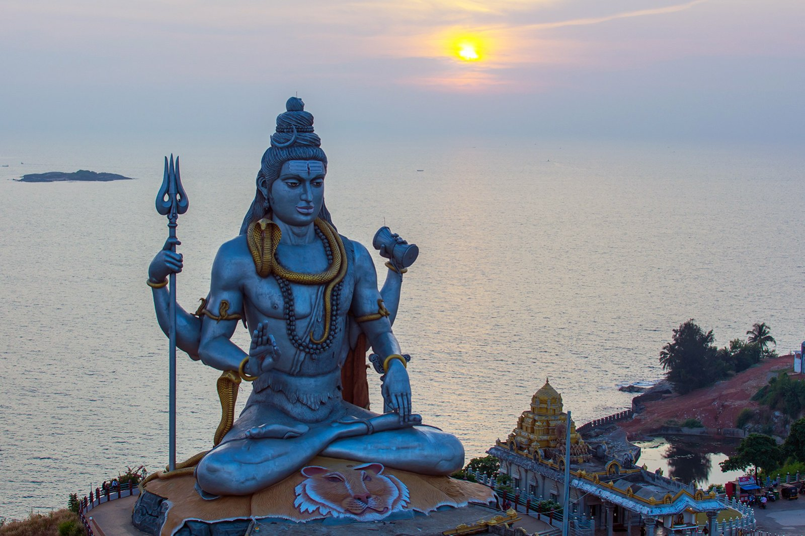 Lord Shiva Statue am Meer